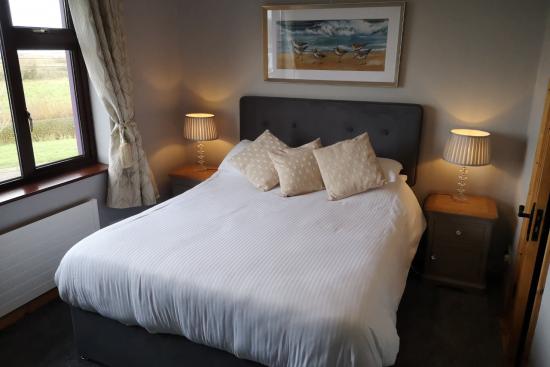 Double: Bedroom 2