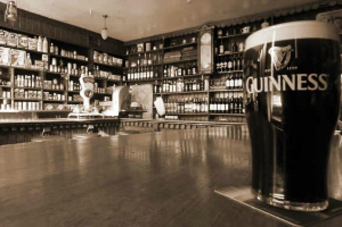 Lang's Bar & Restaurant