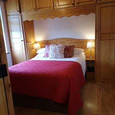 En suite: Bedroom 5